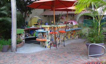 pool_kitchen